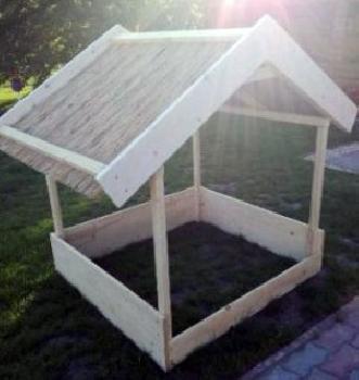Apró Net/: Homokozó tetővel